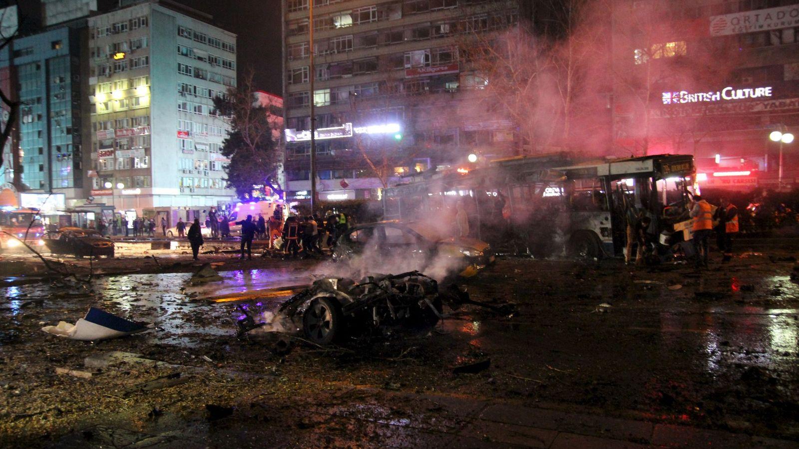 Foto: Escenario de la explosión en Ankara. (Reuters)