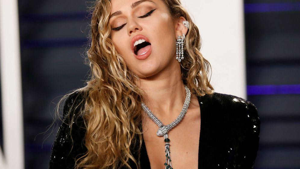 Foto: Miley Cyrus en la posfiesta de Vanity Fair tras los Oscar. (Reuters)