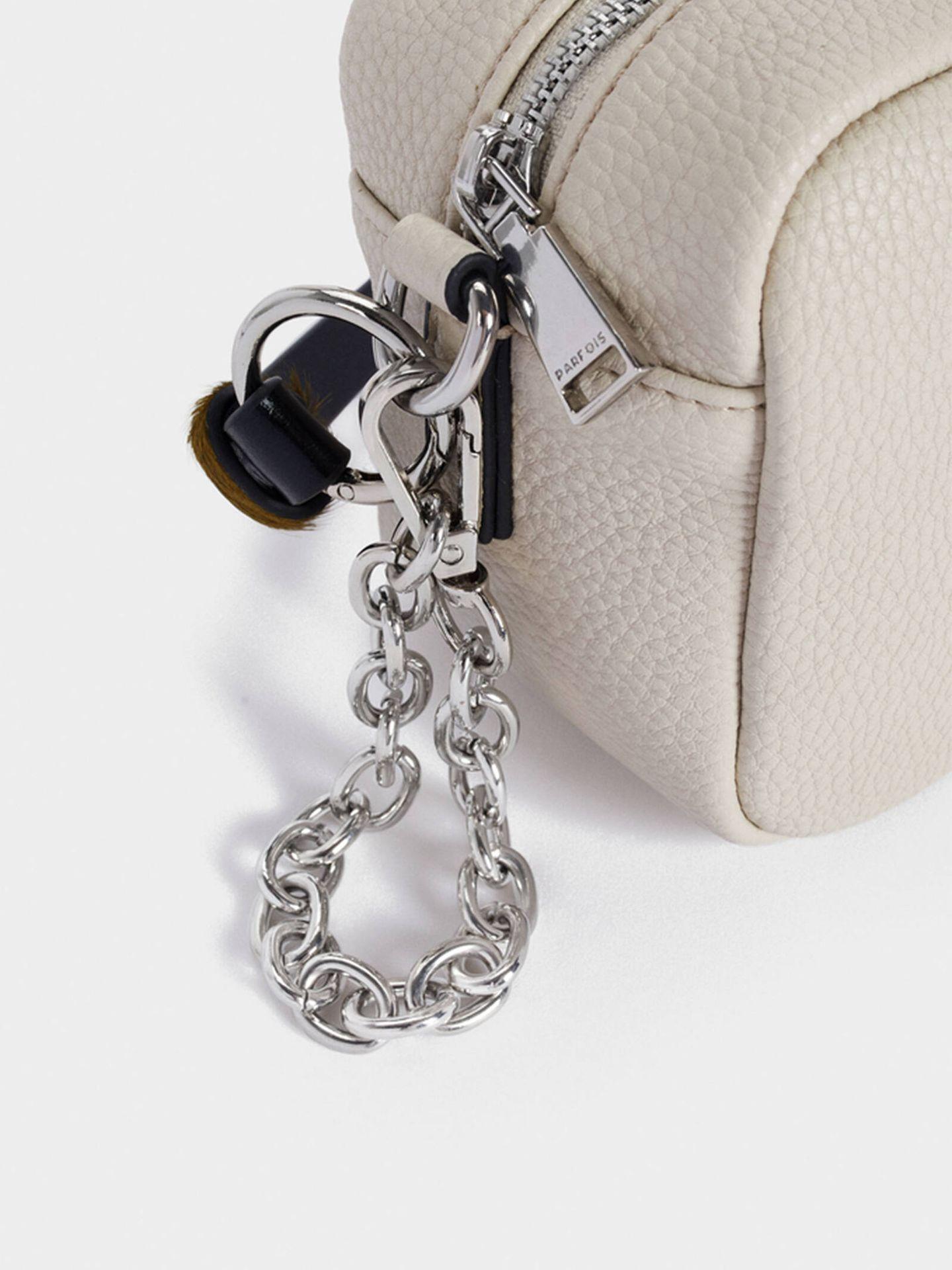 El bolso de Parfois de tamaño pequeño que es básico y práctico. (Cortesía)