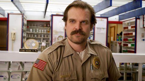 Netflix se hace un 'autospoiler' y desvela qué pasa con Hopper en 'Stranger Things 4'