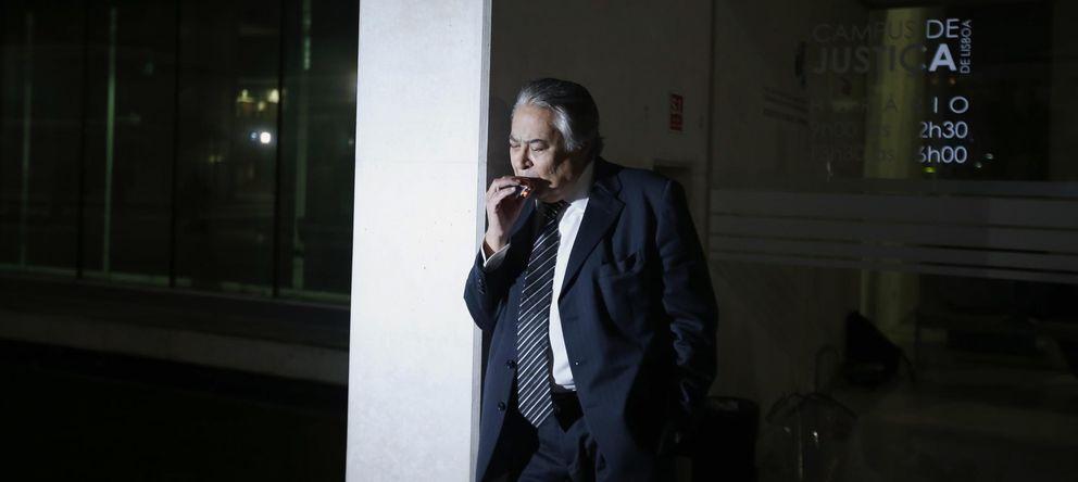 Foto: José Araujo, abogado de Sócrates, en el juzgado (Reuters)