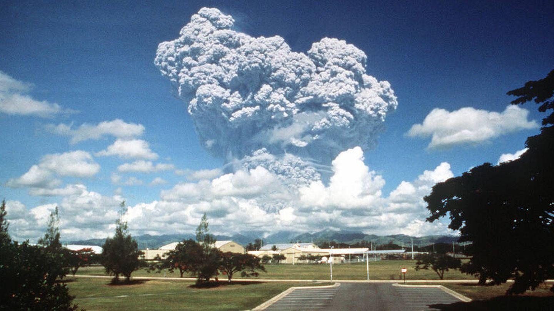 Erupción del Monte Pinatubo en 1991. (U.S. National Archives)
