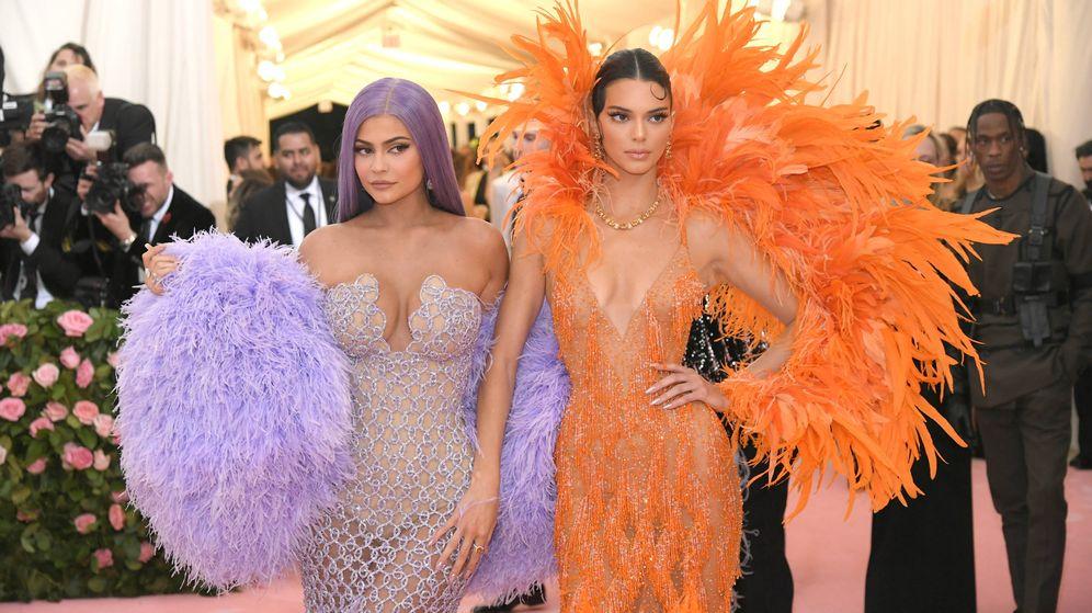 Foto: Kylie y Kendall, en la pasada gala MET. (Getty)