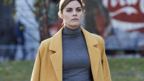 Sabemos la marca y el precio del abrigo de película de Amaia Salamanca