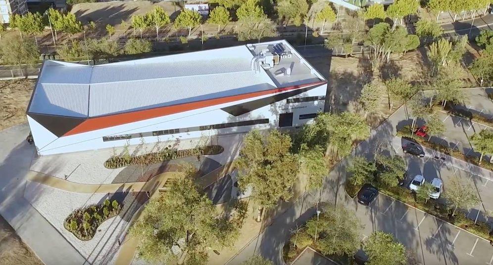 Foto: El Laboratorio VI, el hangar construido por la universidad. (Imagen: Aviation Group)