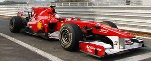 Fernando Alonso arrasa con Pirelli