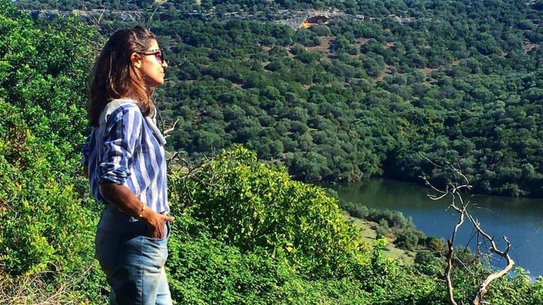 Casilda Finat se escapa al campo, donde disfruta paseando de la naturaleza.