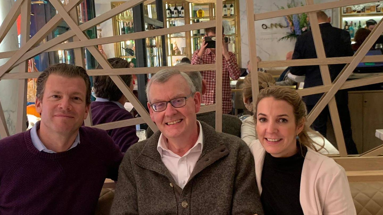 Frank Floessel (izquierda), la nueva pareja de Tessy de Luxemburgo. (Facebook Professors Without Borders)