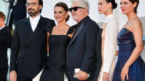 Penélope Cruz y la troupe Almodóvar deslumbran en el arranque del Festival de Venecia