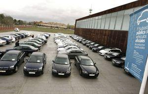 El Gobierno ha eliminado más de 600 coches oficiales en dos años