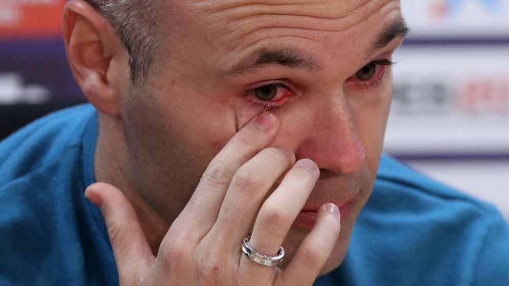 Foto: Andrés Iniesta, durante la rueda de prensa en la que anunció su marcha del Barça. (Reuters)