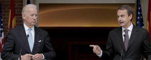 Foto: Joe Biden protesta ante Moncloa por la retroactividad de las renovables