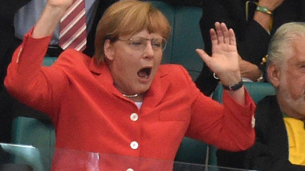 Angela Merkel, hincha de la selección alemana