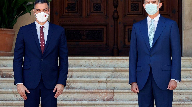 El presidente del Gobierno y el rey, en el último despacho celebrado en Marivent, en Palma. (EFE)