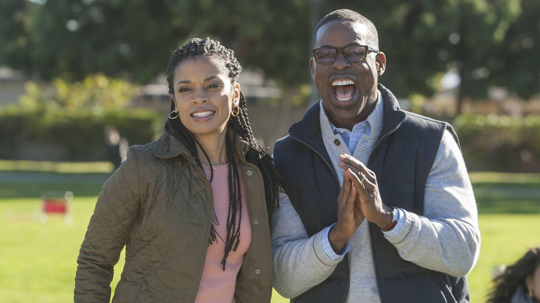 Randall y su mujer disfrutando de un partido de sus hijas.