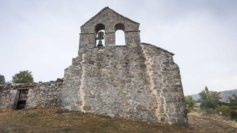 Iglesia de Quintanar del Pino (Burgos) a la que han robado una campana. (A.R./Diario de Burgos)
