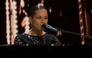 La peor actuación de Alicia Keys
