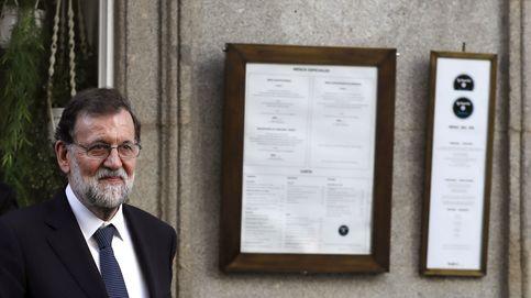 Rajoy, de comida con colegas registradores y sus verdinas