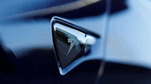 Los inversores hacen fortuna con Tesla tras un año plagado de altibajos