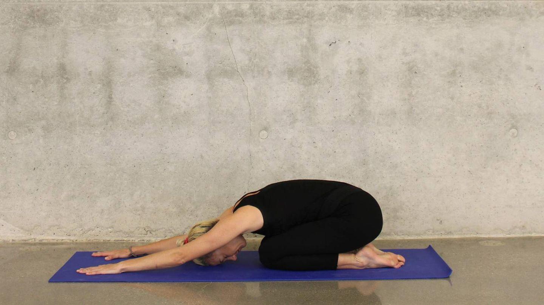 Postruas de yoga para dormir mejor. (Katee Lue para Unsplash)