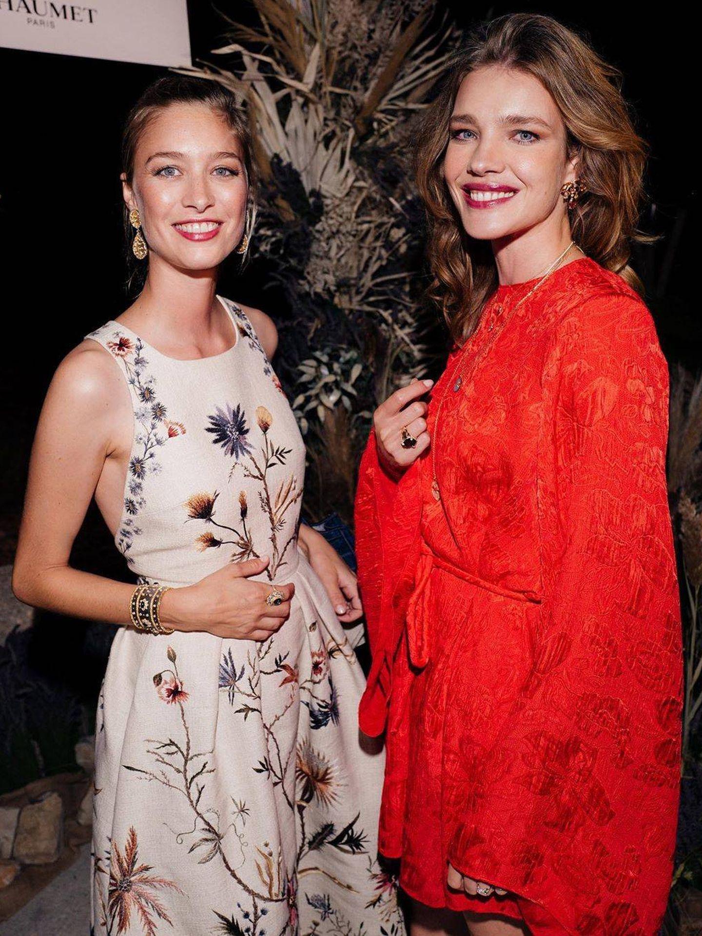Beatrice Borromeo y la modelo Natalia Vodianova. (Instagram @natasupernova)