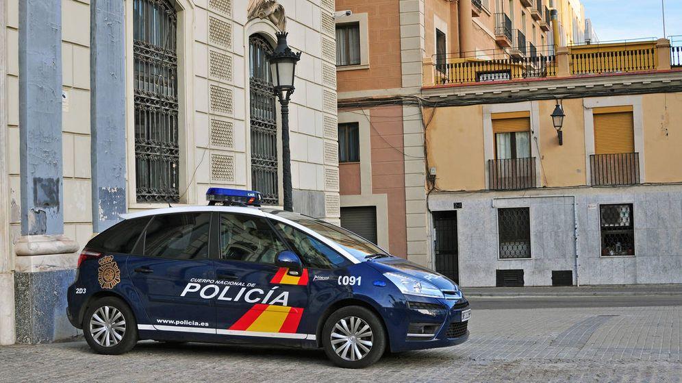 Foto: Detienen a un joven por acuchillar a un hombre sin motivo aparente en plena centro de Valencia. (Policía Nacional)