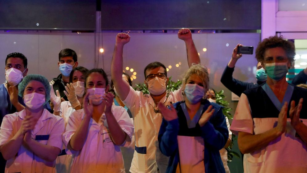 Foto: Personal sanitario de la Fundación Jiménez Díaz. (Reuters)