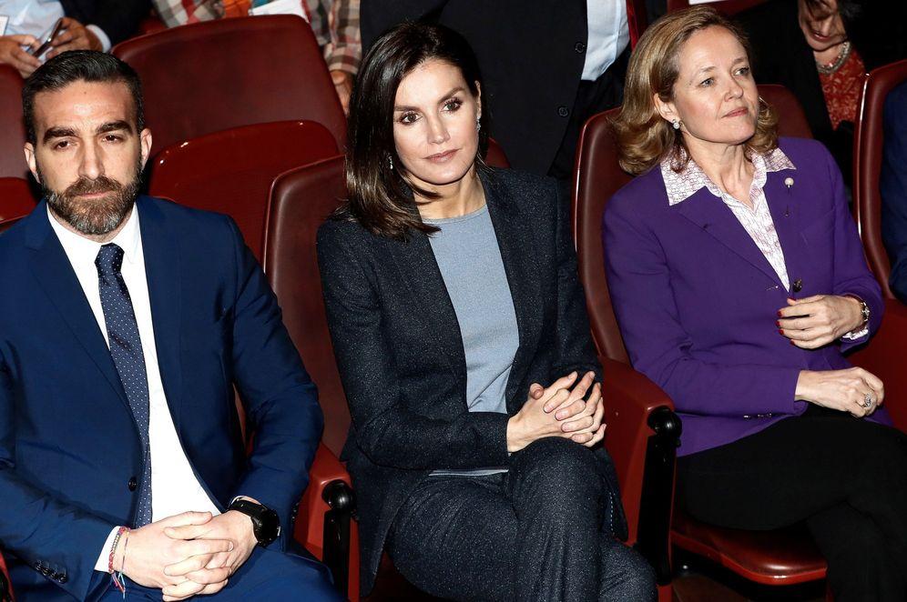Foto: Francisco Polo, con la reina Letizia y la ministra de Economía, Nadia Calviño, el pasado 5 de febrero en Madrid. (EFE)