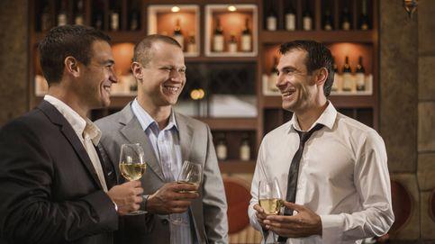 Así es como deberías tomar alcohol si estás en la mediana edad
