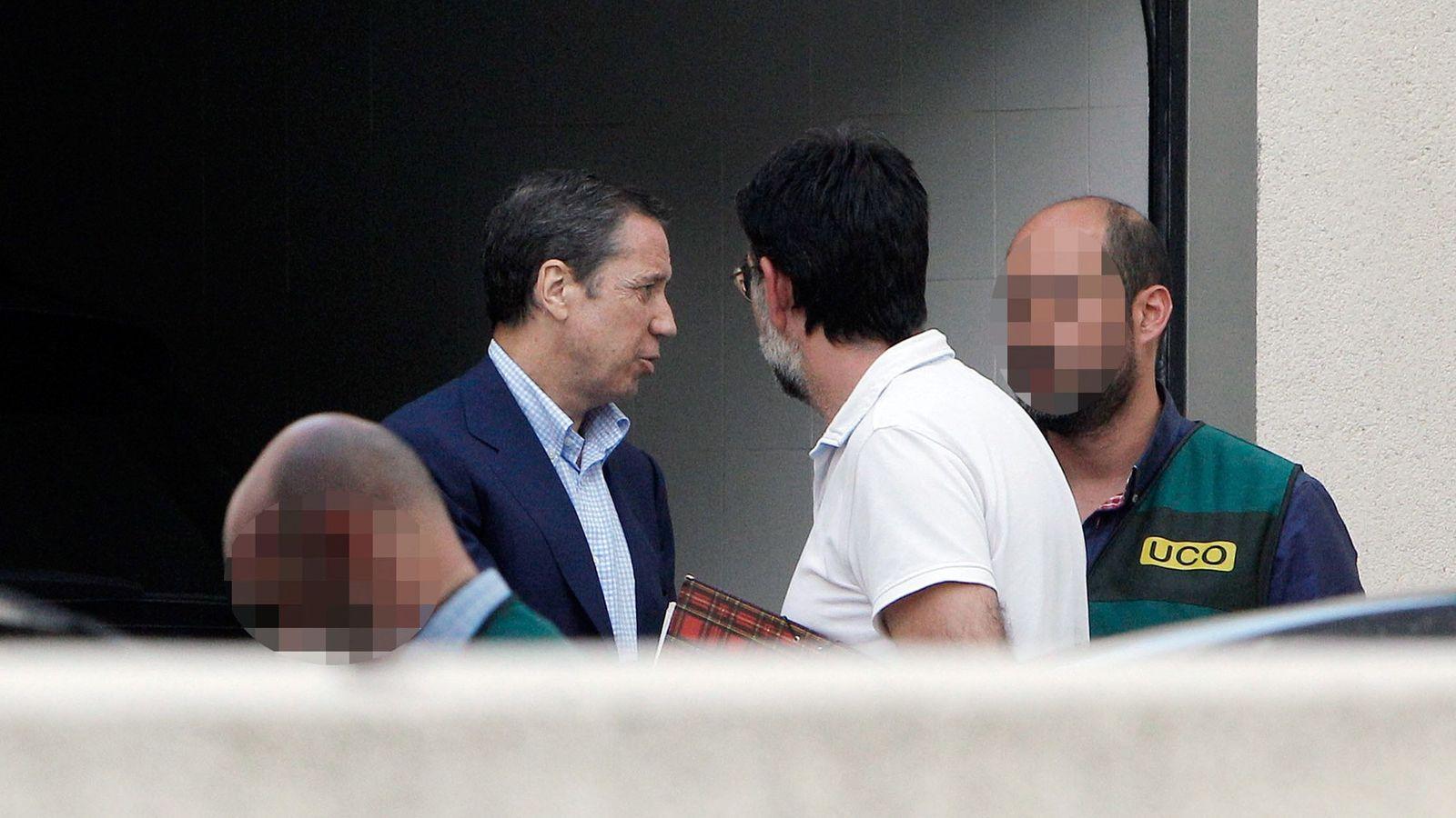 Foto: Eduardo Zaplana, en uno de los registros cuando fue detenido. (EFE)