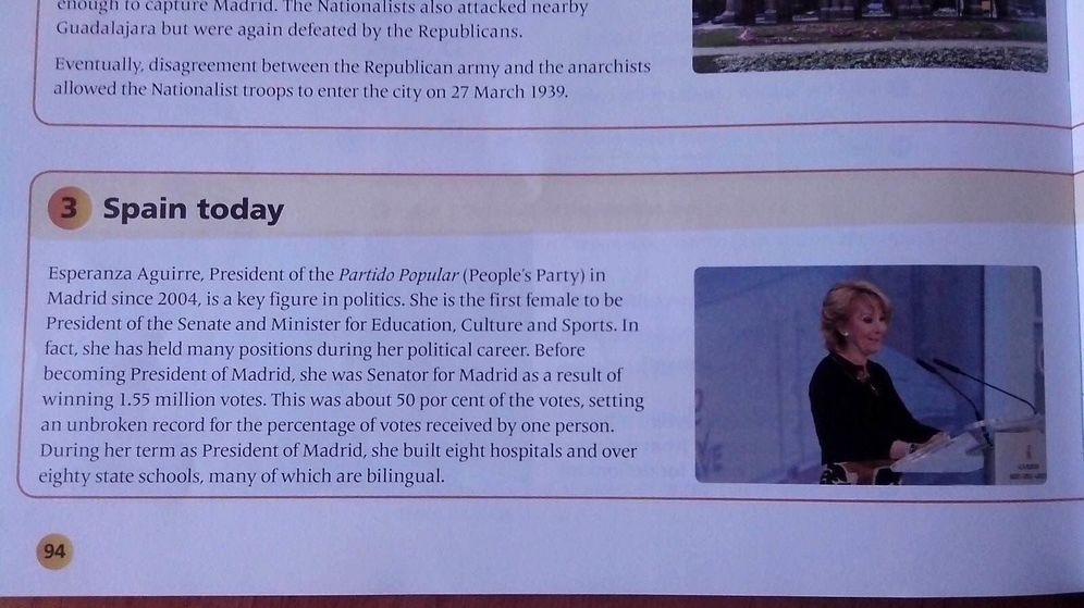 Foto: Página del libro 'Social Sciences' donde se ensalza la figura de Esperanza Aguirre (El Confidencial)