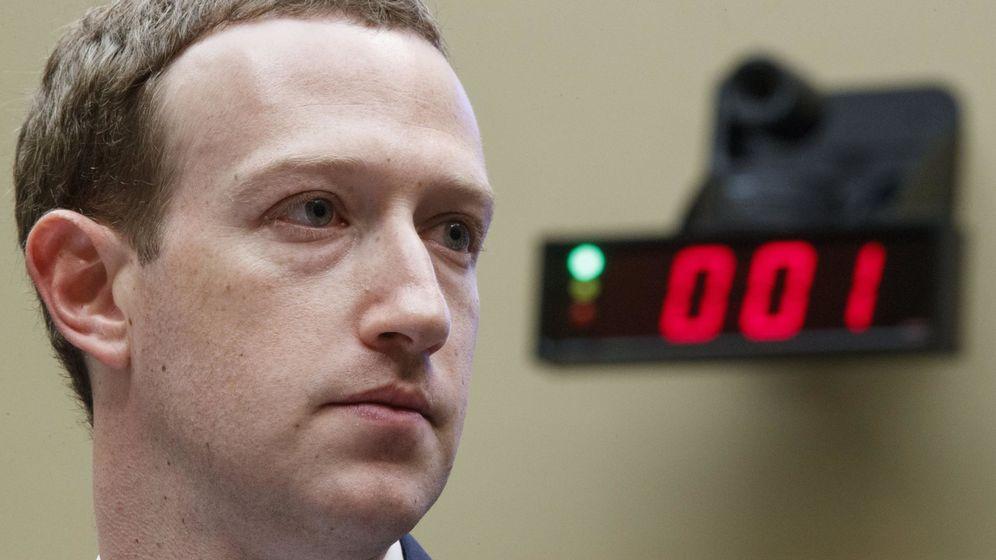 Foto: Zuckerberg reconoce que Cambridge Analytica accedió a sus datos en Facebook. (EFE)