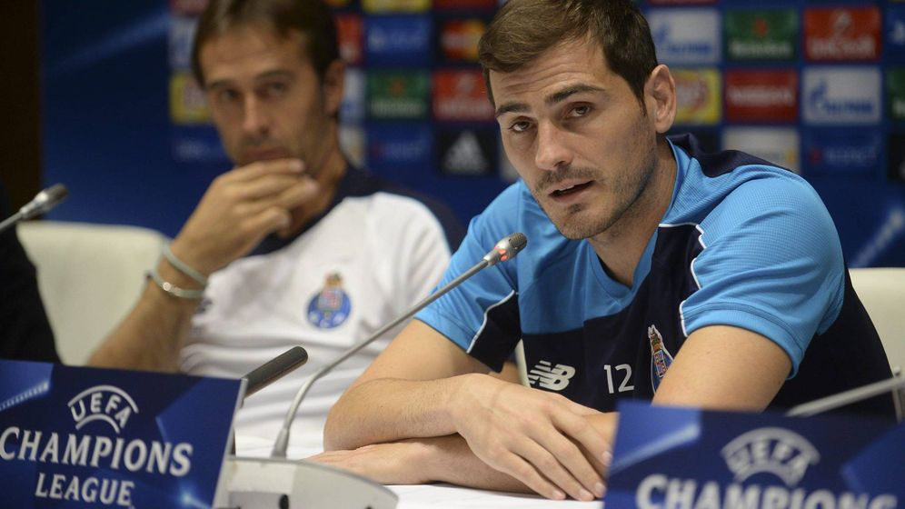 Foto: Julen Lopetegui e Iker Casillas, durante una rueda de prensa con el Oporto (Cordon Press)