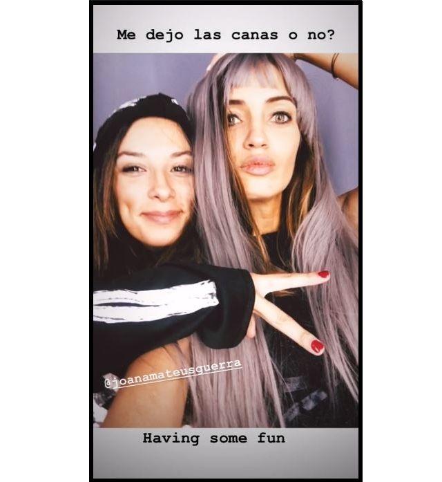 Sara Carbonero, disfrazada junto a su amiga. (@saracarbonero)
