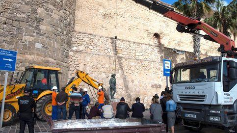 La disputa política enturbia la retirada de la última estatua de Franco en una calle