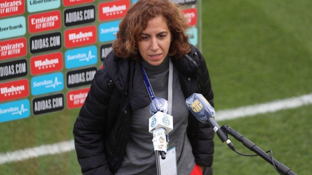 Foto: Irene Lozano, tras un partido de la Liga femenina de fútbol. (Efe)