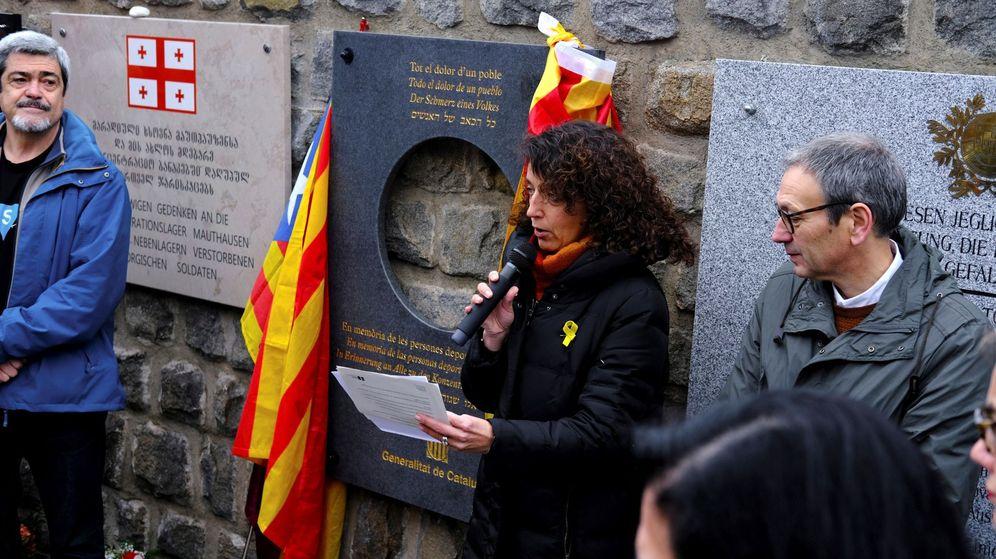 Foto: La directora general de Memoria Democrática de la Generalitat, Gemma Domènech, durante su discurso en el homenaje de la Generalitat en Mauthausen a los deportados republicanos durante el nazismo. (EFE)
