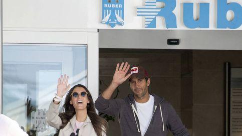La foto más esperada de Fernando Verdasco y Ana Boyer: salen del hospital con su hijo