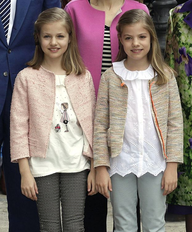 Foto: La princesa Sofía y la infanta Leonor en la misa de Pascua (EFE)