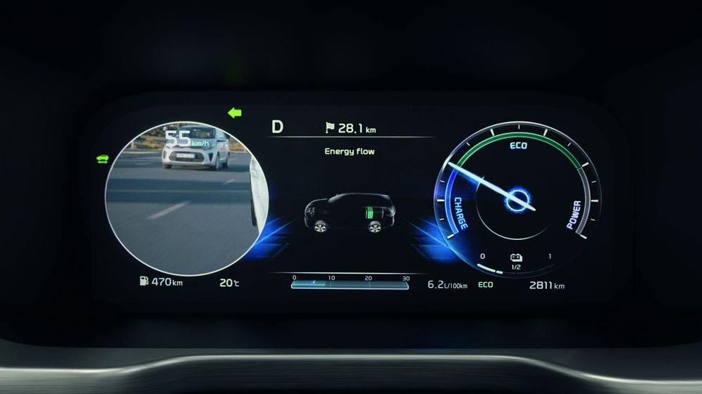 Foto: El cuadro digital del nuevo Kia Sorento incluye la imagen del ángulo muerto para evitar accidentes.