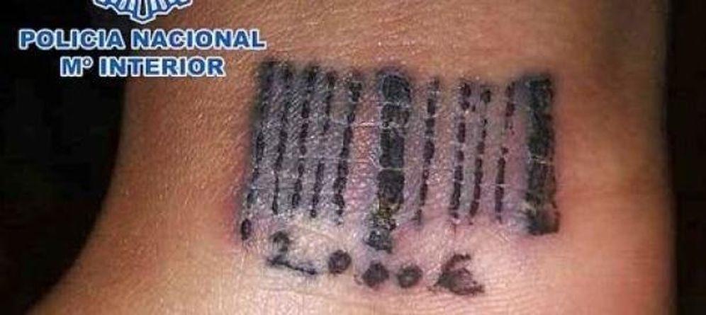 Foto: Código de barras que una de las chicas tenía tatuado (EC)