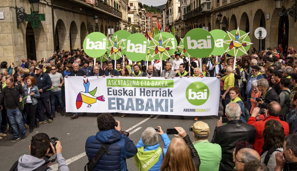 Foto: Una manifestación en defensa de la república vasca. (EFE)