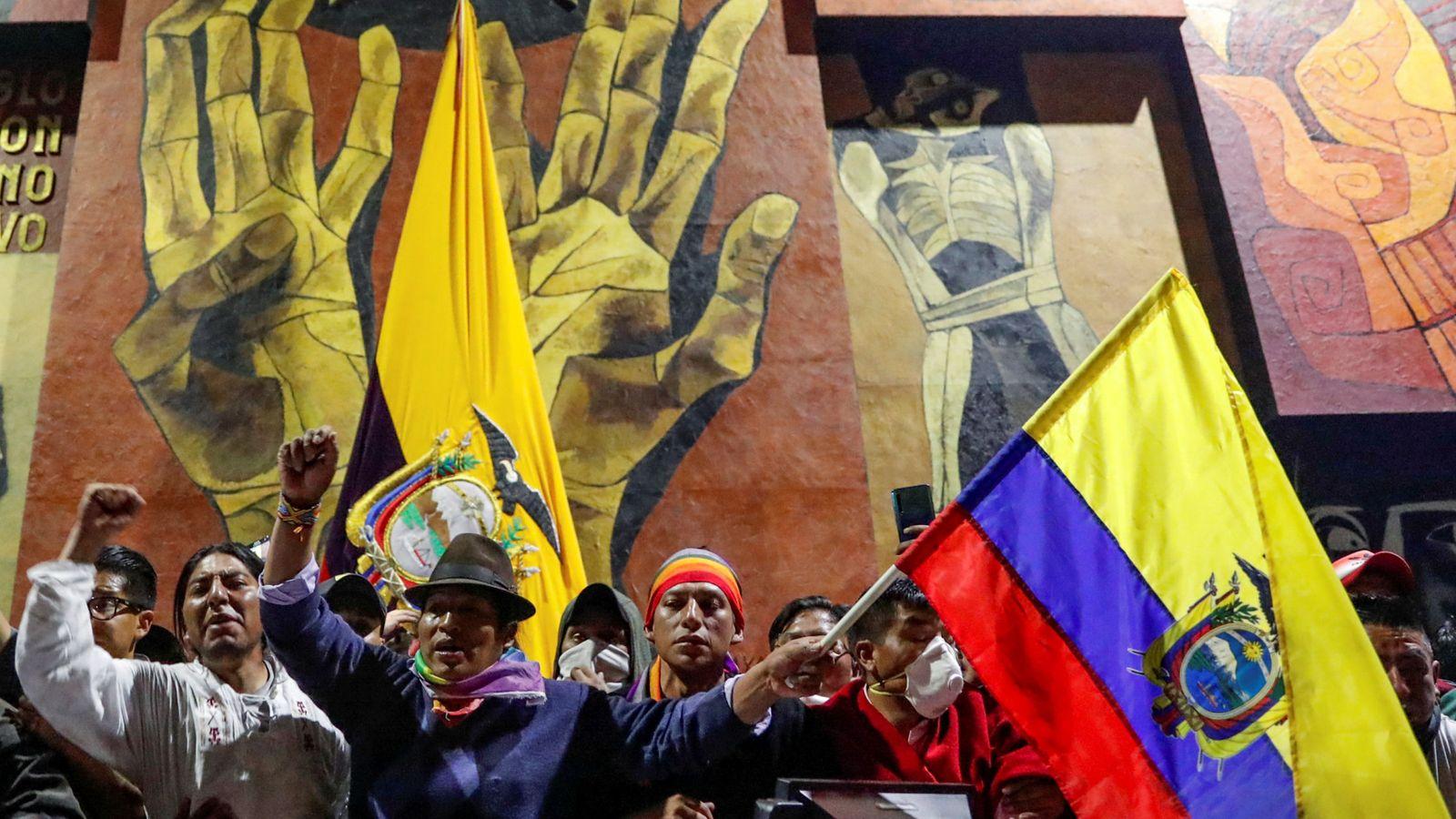 Foto: Protestas en el Parlamento de Ecuador. (Reuters)