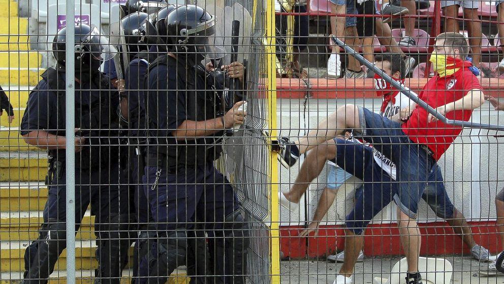 Los policías piden dinero por desplegar a los antidisturbios en el Madrid-Barça