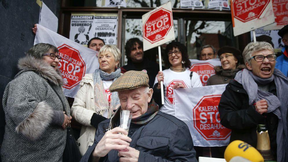 Foto: Fotografía de archivo de una concentración de la plataforma Stop Desahucios. (EFE)