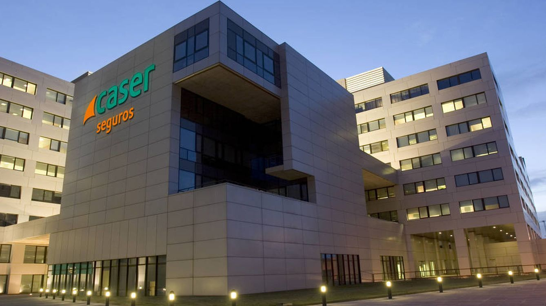 Caser ficha en Bankinter y Bestinver para acelerar la venta de productos financieros