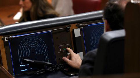Rajoy empieza el cortejo al 'diputado 176' (Quevedo) de cara al próximo trámite