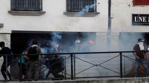 Altercados en una sitiada Bayona: gases lacrimógenos, cañones de agua, piedras...
