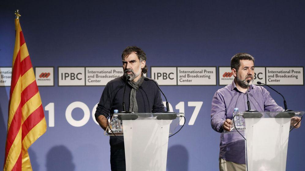 Foto: El presidente de la ANC, Jordi Sánchez (d), y el de Òmnium Cultural, Jordi Cuixart. (EFE)