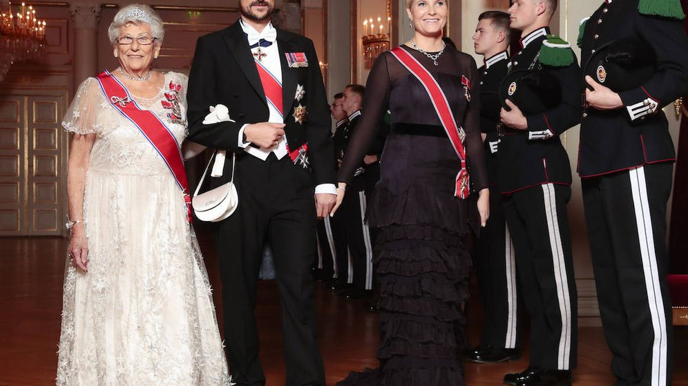 Foto: Haakon y Mette-Marit junto a la princesa Astrid. (Kongehuset/NTB Scanpix)